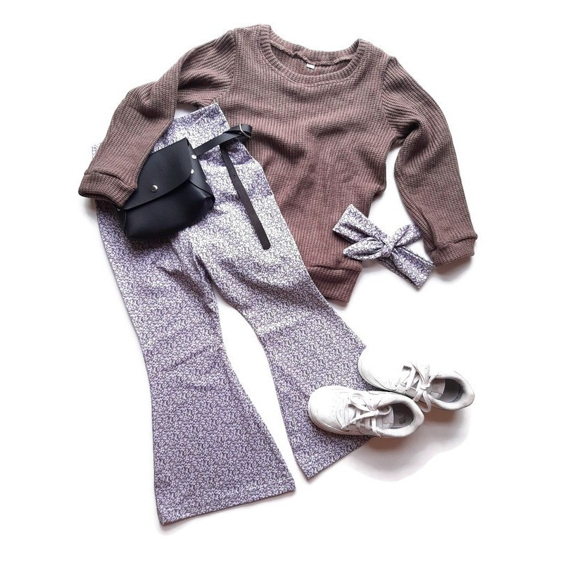 Knitted sweater taupe